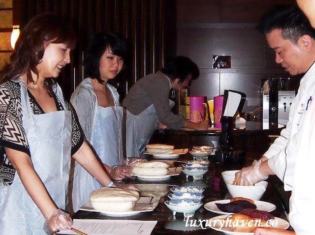 resorts world sentosa mooncake making media workshop