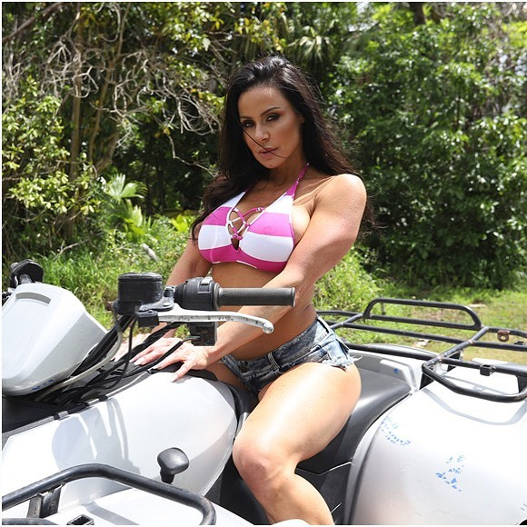 Kendra Lust Instagram Clicks 24 Apr-2020