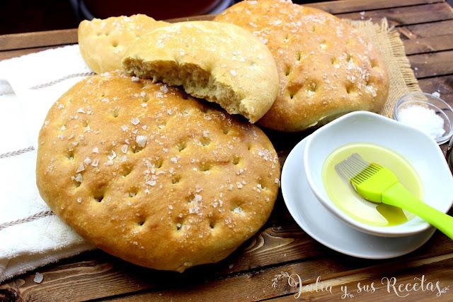 Tortas de pan de aceite y sal. Julia y sus recetas