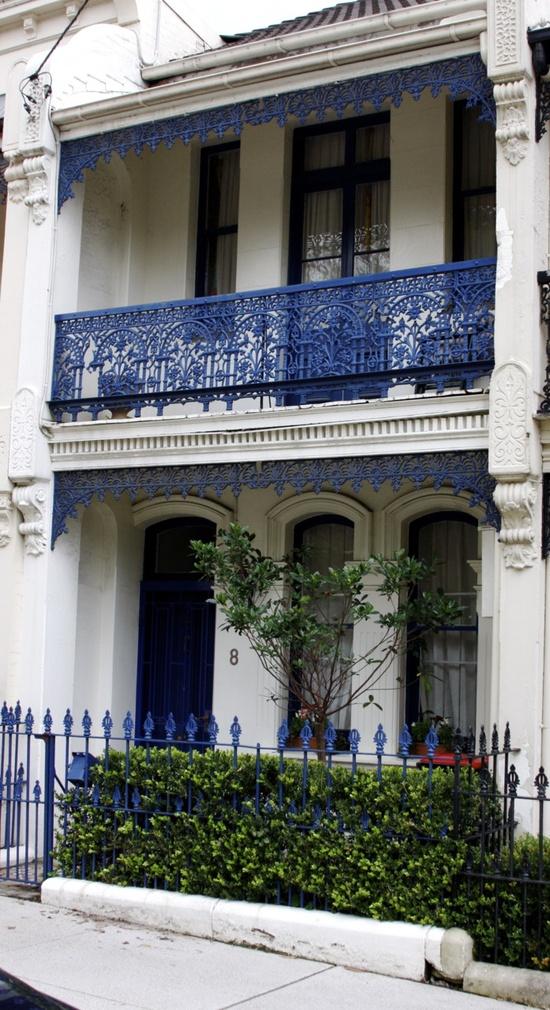 Verandah House: Green And Blue