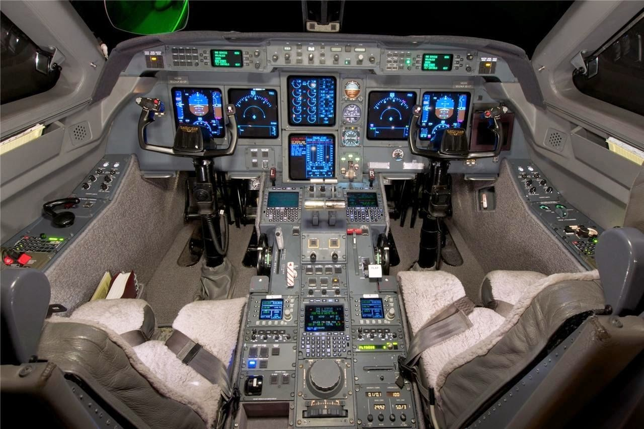 Aviation Troubleshooting: Display Units on Boeing's Flight Deck MUST