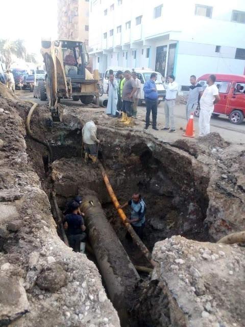 كسر مفاجئ في خط المياه المغذي لمدينة جرجا بسوهاج