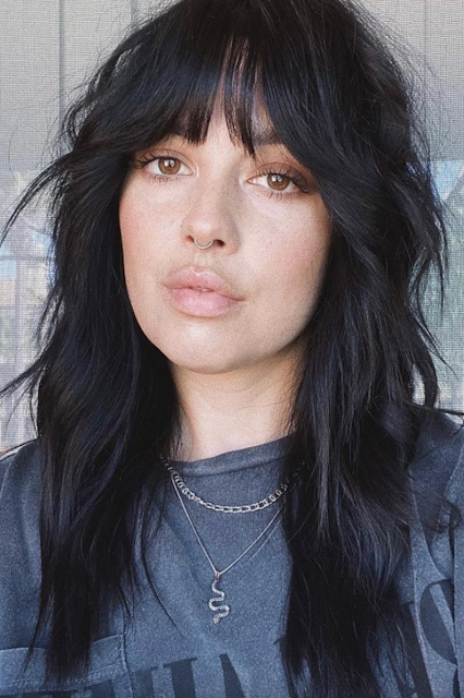 hairstyles with bangs 2022