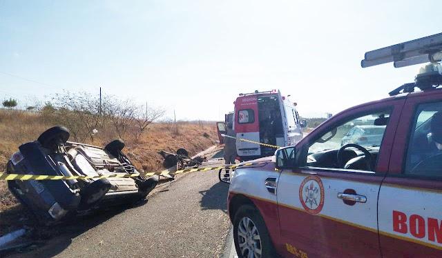 Acidente com carro e veículo de tração animal deixa um morto na BR-230 na entrada da cidade de Patos