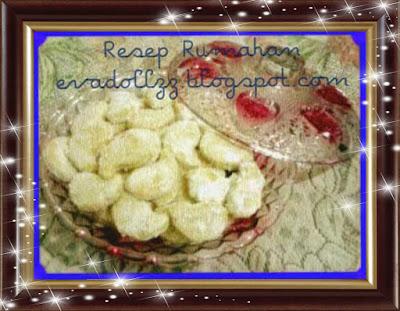 Kue Putri Salju (Snow White Cookie)