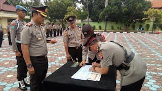 Kapolres Indramayu Pimpin Upacara Serah Terima Jabatan Kapolsek Jatibarang, Kandanghaur Dan Kasat Reskrim Polres Indramayu.