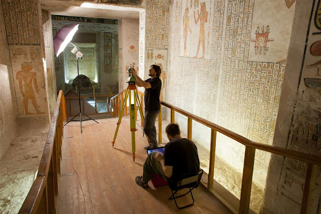 Examining the inscriptions of ancient tourists in the tomb of Ramesses VI