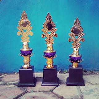Pusat Piala Dua Susun