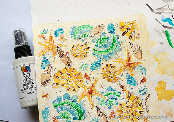 Layers of ink - Watercolor Shells Tutorial by Anna-Karin Evaldsson. Spray with gloss spray.