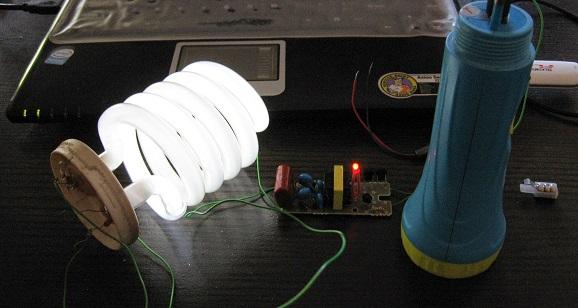 Lampu neon yang mati total hidup kembali dengan strum nyamuk 3 volt