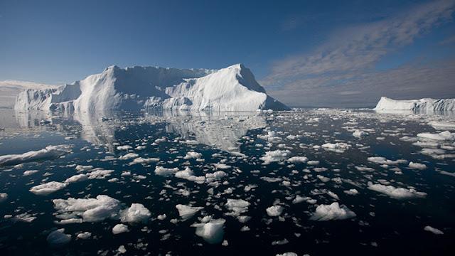 La NASA publica la foto de una inquietante grieta en uno de los mayores glaciares de Groenlandia