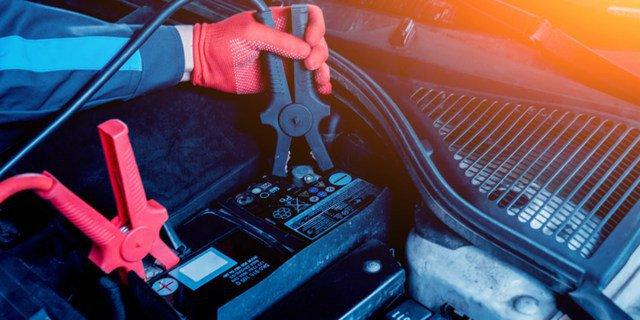 7  Cara Melakukan perbaikan Aki Kering Mobil
