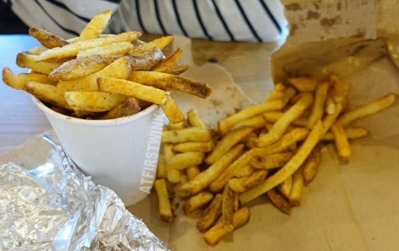 Utrecht Centraal Station Five Guys burger restaurant cajun fries
