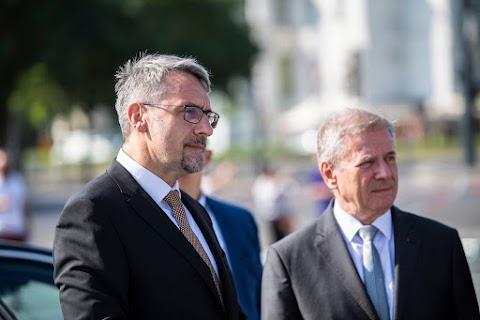 Csehországban tanácskoznak a visegrádi országok védelmi miniszterei