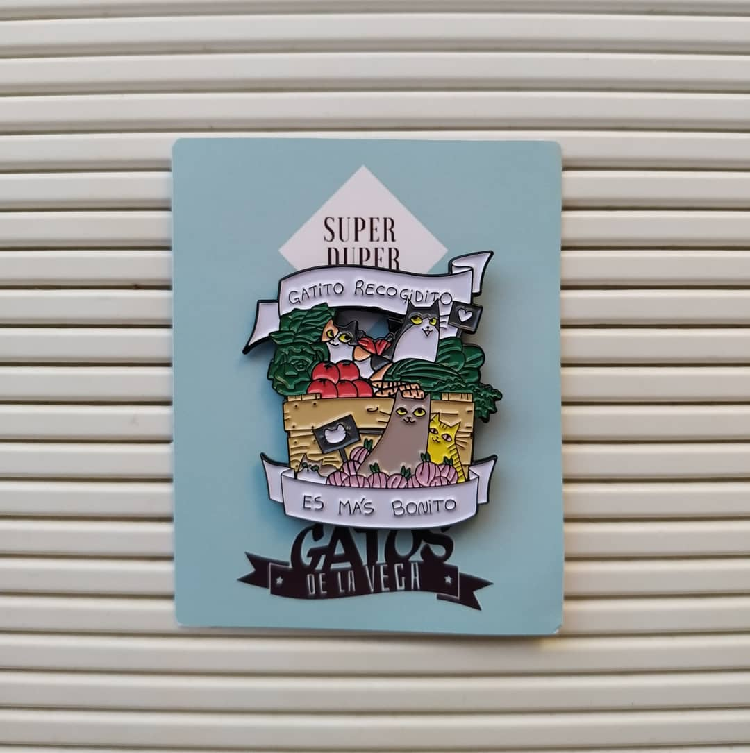 Colaboración Gatos de la Vega con Super Duper pins ilustrados