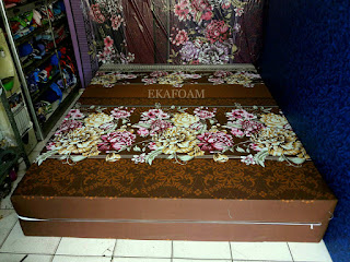 Kasur inoac motif bunga diva coklat