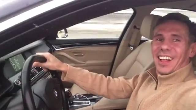 У Панина отбирают элитный автомобиль из-за больших штрафов