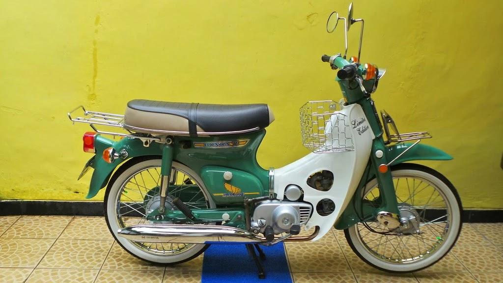 lapak motor antik bebek dijual honda c70 luar binasa