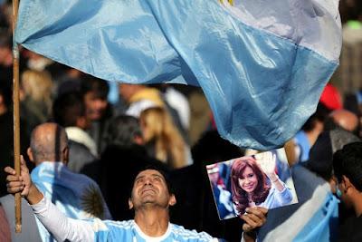 Encuesta Poliarquía: Cristina encabeza la intención de votos de cara a la elección de 2019 seguida por Vidal y Macri, en ese orden. El derrumbe de Carrió: apenas logra el 1 por ciento de los votos potenciales