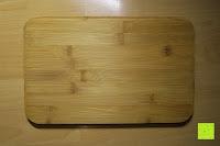 Unterseite: Brotkasten aus Metall mit Deckel aus Bambus | 32 x 20 x 12 cm | Bewahren Sie Ihr Brot luftdicht und hygienisch auf