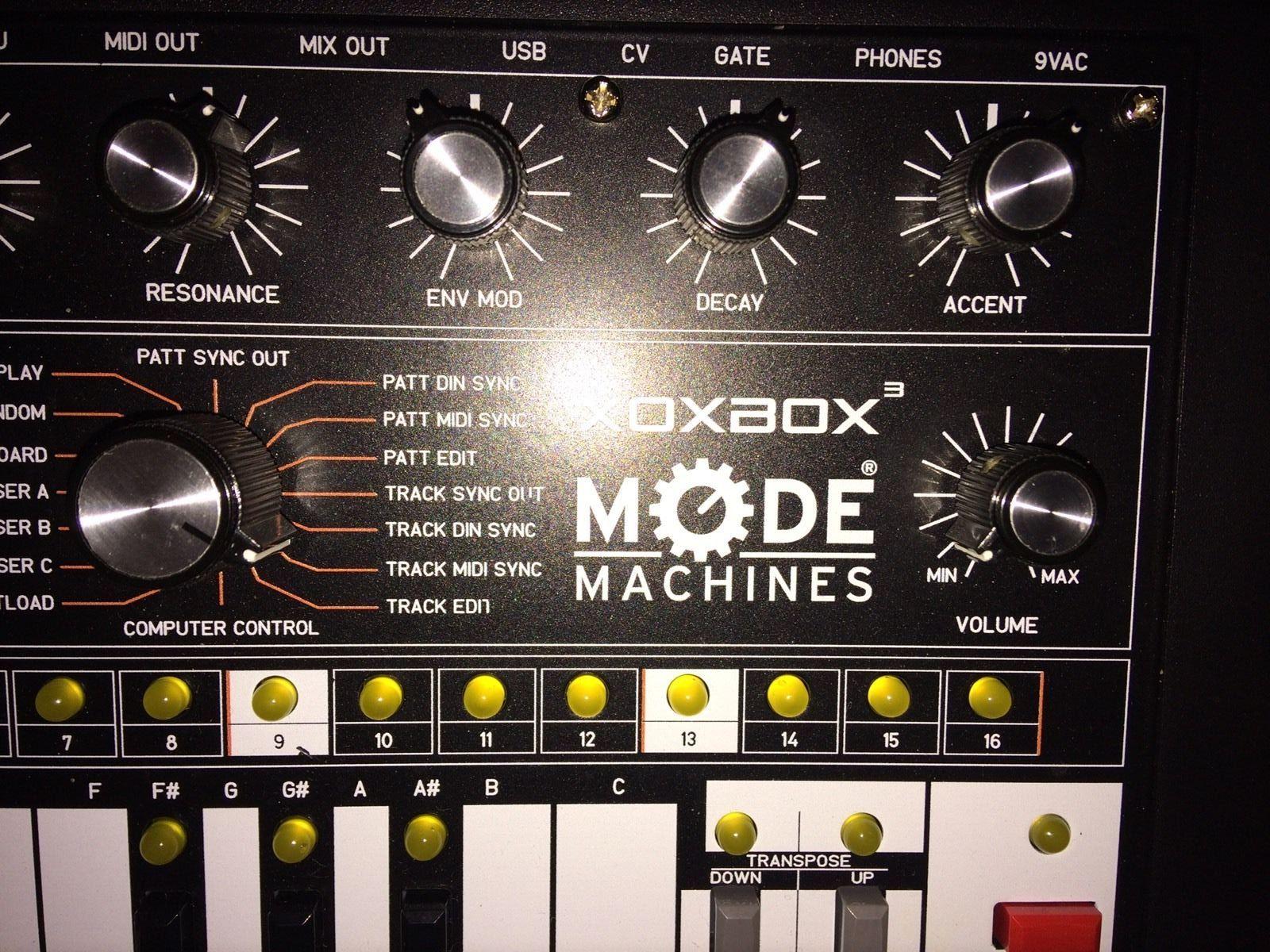 MATRIXSYNTH: Mode Machines Xoxbox Mk 3 Synth + Sequencer TB-303 Clone