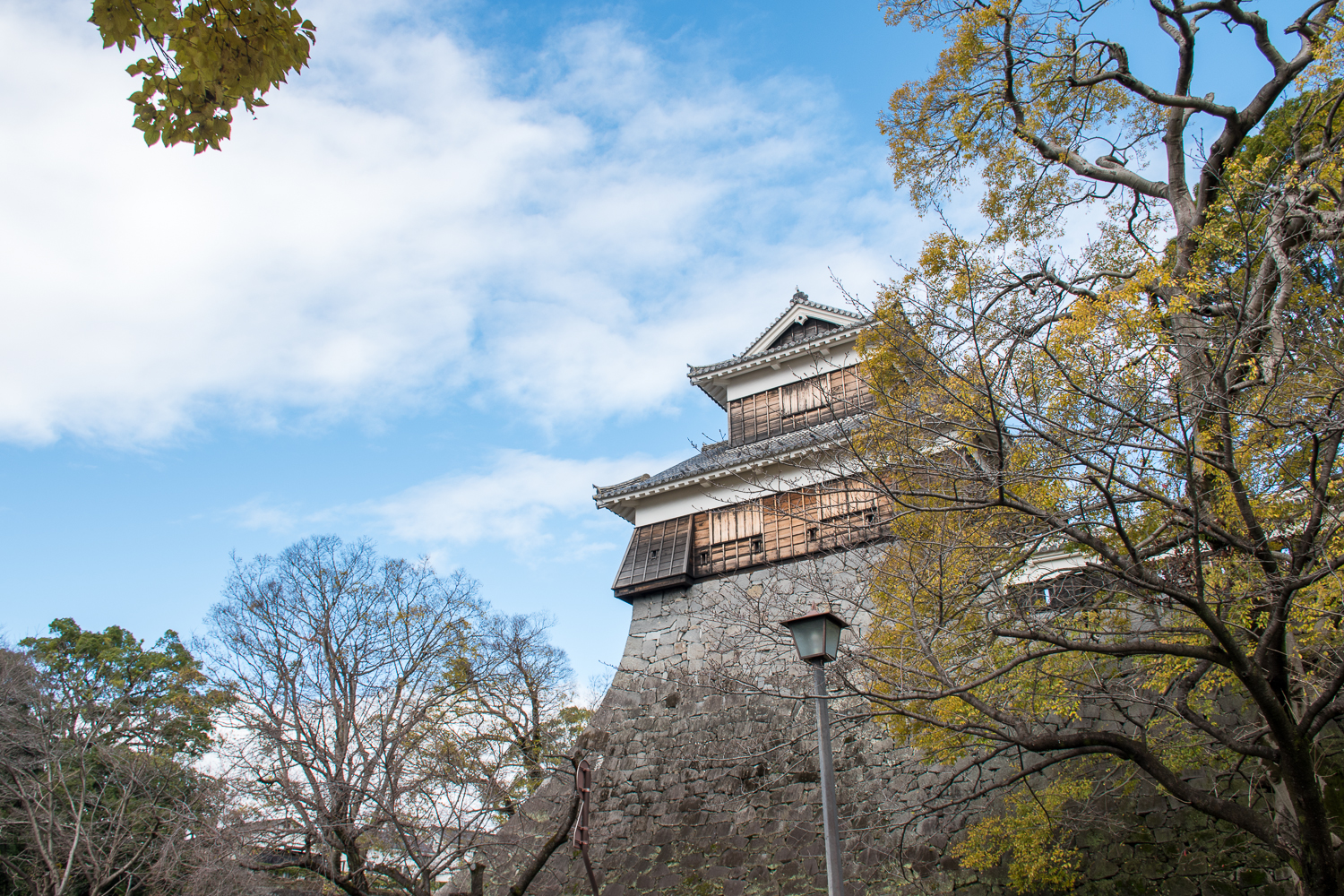 Kumamoto castle and blue skies in Japan