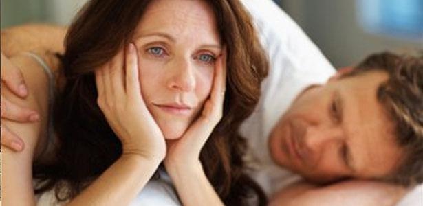 Hombre infiel buscando el perdón de su esposa