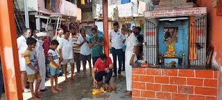 शिवसेना नगरसेवक के प्रयत्नों से मंदिर का जीर्णोद्धार | #NayaSaberaNetwork
