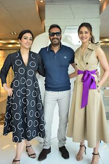 """""""अजय देवगन, तब्बू और रकुल प्रीत कौर ने दिल्ली में किया फिल्म 'दे दे प्यार दे' का प्रमोशन"""""""