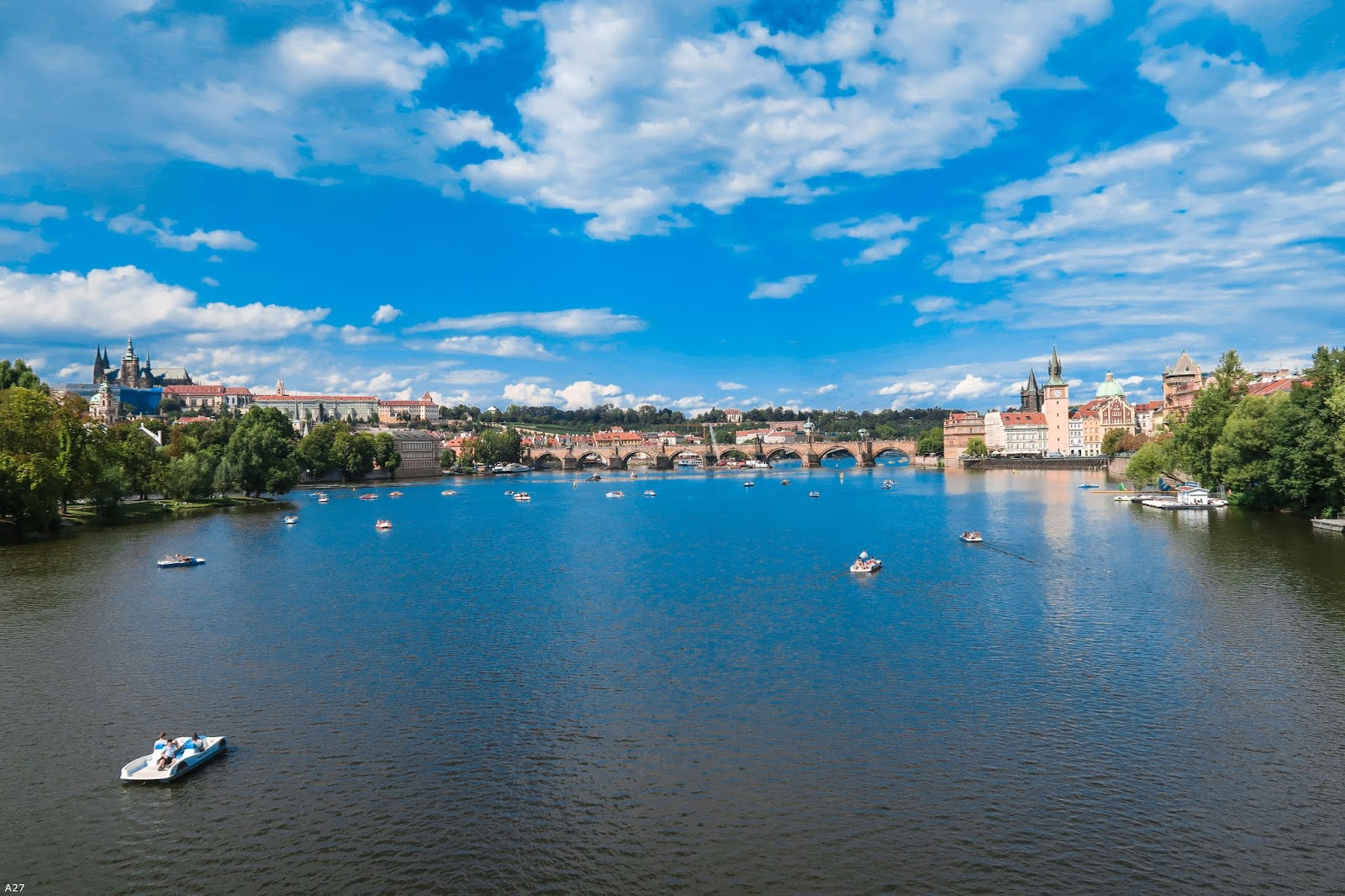 PRAGUE BRIDGE VIEW | ANNA TWENTY SEVEN