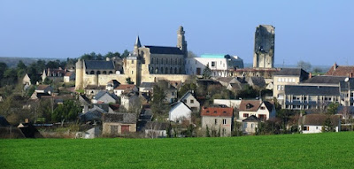 Looking towards the town of Le Grand-Pressigny with its prominent chateau