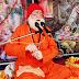सती चरित्र की कथा सुनकर भक्ति में डूबे श्रोता