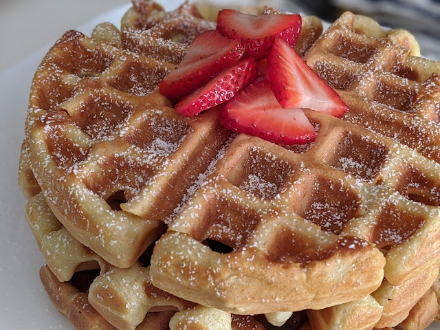 Easy and Delicious Waffle Recipe for Breakfast