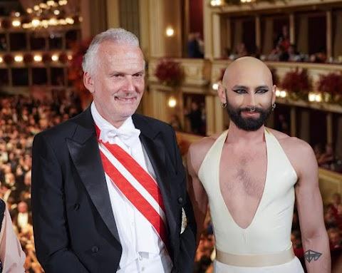 Kétszáz év óta most először táncolhat azonos nemű pár a bécsi Operabálban