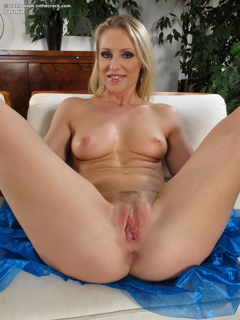 Hd passionhd sexy connie carter skinny dips with big cock 3