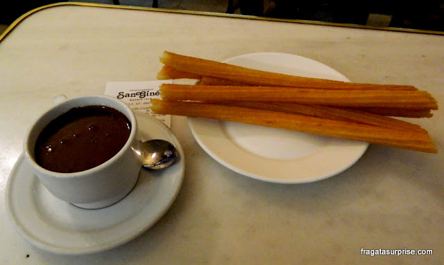 Chocolate com churros da Chocolateria San Ginés, Madri