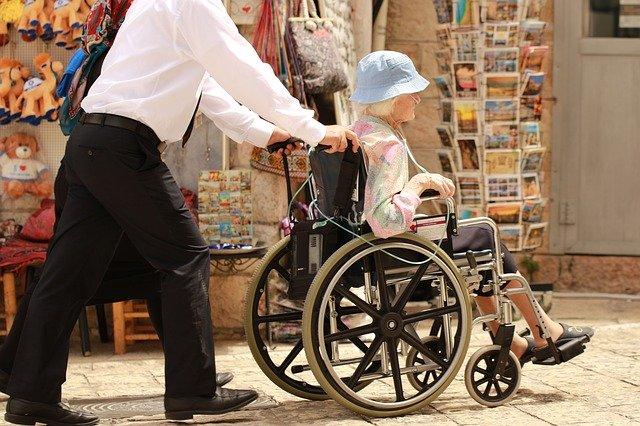 sewa kursi roda di jakarta