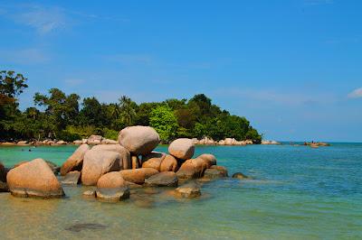 wisata pantai trikora bintan