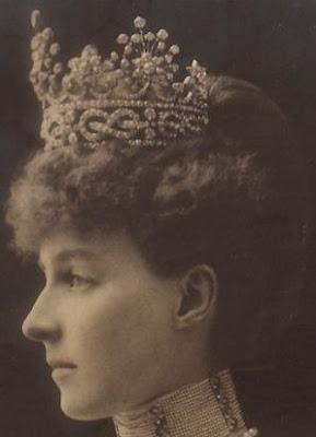 aosta knots stars tiara musy diamond princess helene savoy