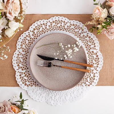 Ażurowe serwety pod talerze