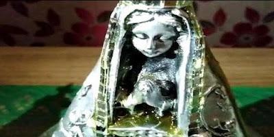imagem de Nossa Senhora Aparecida jorrando mel em Corbélia