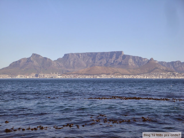 Table Mountain e Cidade do Cabo vistas da Robben Island