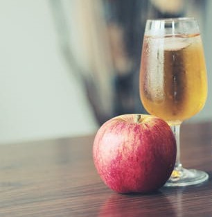 Top 3 Apple Juice Health Benefits | Benefits of Apple Juice To Start Your Day [2020]