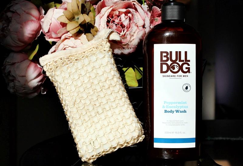 Для ванны и душа: мужской гель для мытья Bulldog Skincare For Men, Body Wash и эксфолиирующий скраббер-мочалка AfterSpa / обзор, отзывы