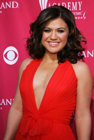 Most Kelly Clarkson Photo Buzz Haircut Wavy Bob Hairstyles
