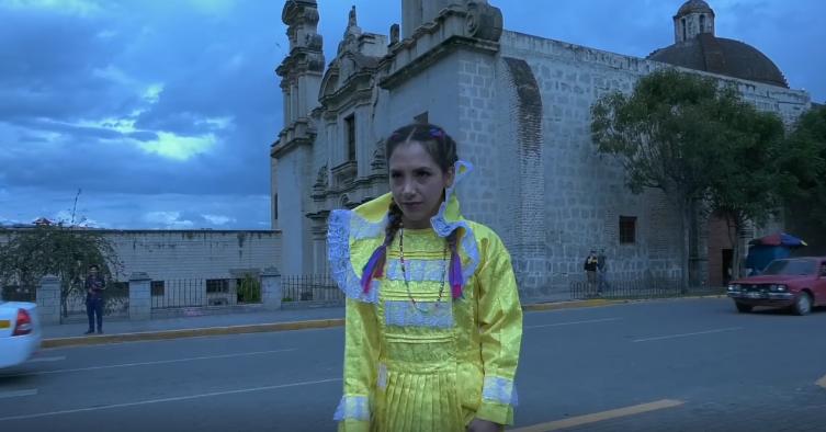 """Héctor Marreros lanza su trailer: """"Que bonita señorita"""""""