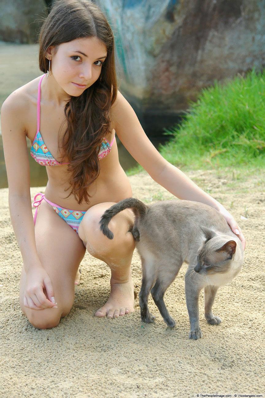 hot asian girls bikini collection 01
