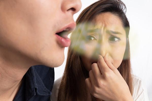 ائحة الفم الكريهة التدخين