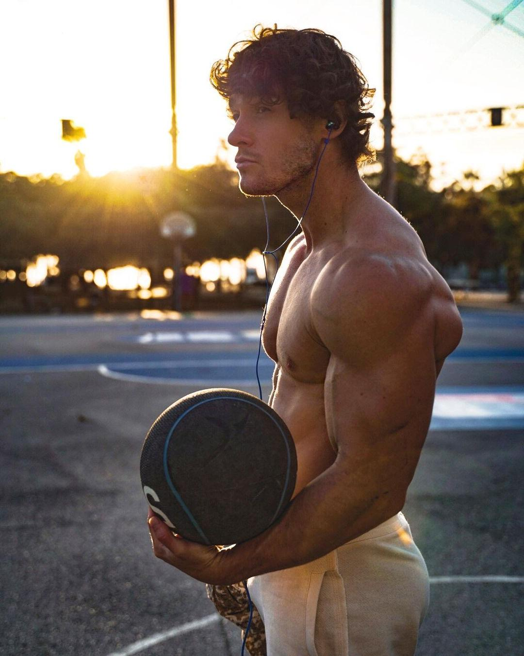 sexy-barechest-men-muscles-owen-harrison-basketball-player-big-pecs-swole-biceps