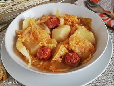 Receta de repollo con patatas y chorizo